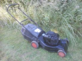 LARGE Petrol Mower Briggs and Stratton MTD Self-Propelled