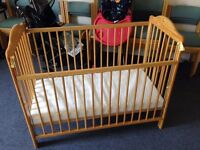 Classic Baby cot natural, with mattress, height adjustable, easy assembled, good to transport