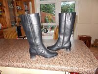 Ladies Clarkes knee high leather boots size 5 never worn brand new