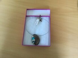 Brand new wire and glass Choker