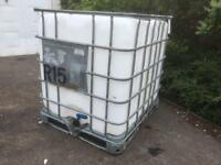 1000 LITRE IBC CONTAINER.local delivery possible