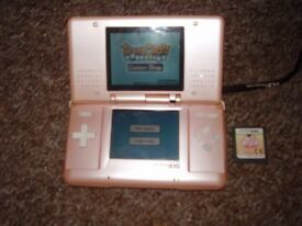 NINTENDO DS PINK WITH BROKEN HINGE FULLY WORKING