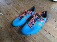 Boys/ men's Under Armour football boots size 7. Good condition