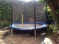 10ft trampoline with zipped enclosure