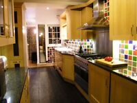 This fantastic 3 beds apartment in Raynes park SW20!!Close by mainline station and high street.
