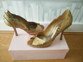 JLO gold shoes size 40 in good condition