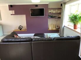 Double Bedroom with private bathroom in Tilehurst