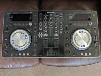 Pioneer dj xdj r1 USB/CD/laptop controller in immaculate condition, includes decksaver