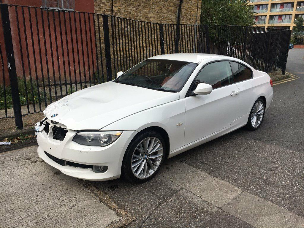 2010 10 bmw 325i se lci e92 coupe alpine white damaged. Black Bedroom Furniture Sets. Home Design Ideas