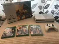 Xbox One S 500gb controller and games