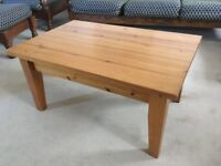 Wooden living room coffe/side table - 91x60x45cm
