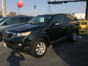 2011 KIA SORENTO LX- HEATED SEATS, BACKUP SENSORS, SATELLITE RAD