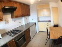 Lovely 3/4 Bedroom Flat Located in Mile End