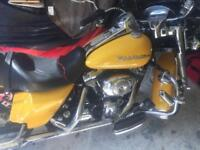 Harley. Road King Custom 1450 - one owner from new