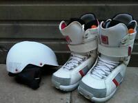 Burton boots and quicksilver bel.et for snowboard! In good used condition! Can deliver or post!
