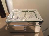Bridal tiara and jewellery