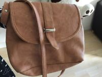 Good Looking Ladies Hand bag for 1 pound