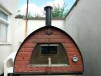 Pizza Mobile Wood Fired Oven.Weighs 69 kg (152 lb) with refractory bricks assembled! Used FEW TIMES!