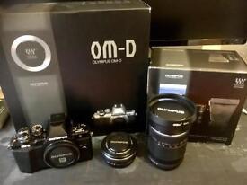 Olympus EM10 Mk 2 micro 4/3 kit bargain!