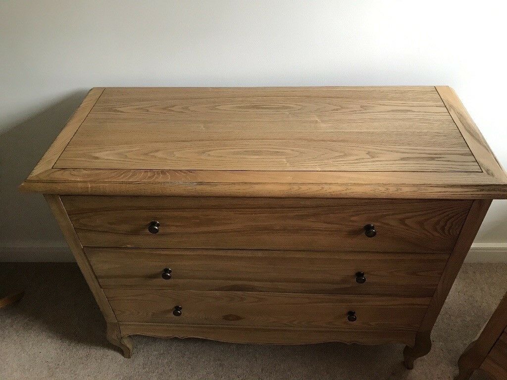 Gorgeous solid wood chest of drawers
