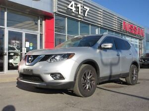2016 Nissan Rogue SL AWD | Navigation, Leather, Pano Moonroof