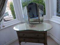 Vintage kindey shaped dressing table