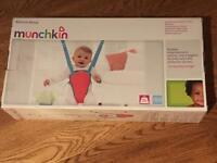 Munchkin bounce about baby door bouncer