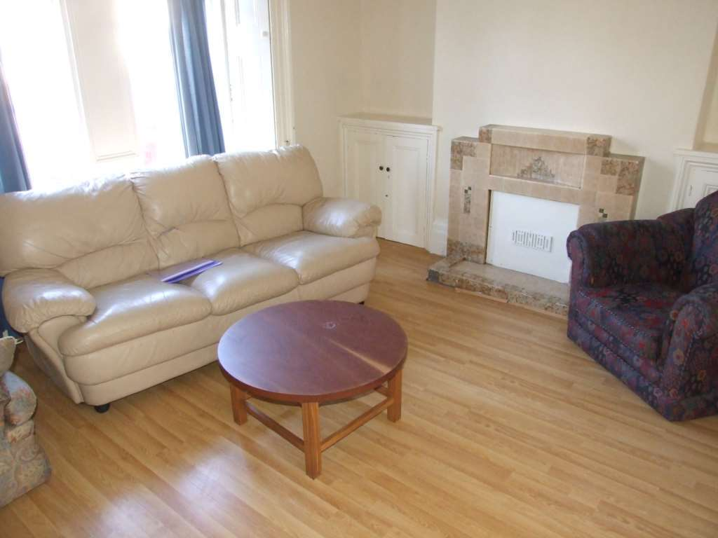 4 bedroom house in Moira Place, Adamsdown, Cardiff,
