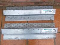 2 x 900MM CATNIC LINTELS - UNUSED - INSULATED - KEYSTONE