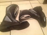 RICHA MENS MOTORCYCLE BOOTS SIZE 7