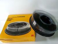 Kodak carousel slide projector S-AV2000 tray holds 80 35mm slides, very good condition
