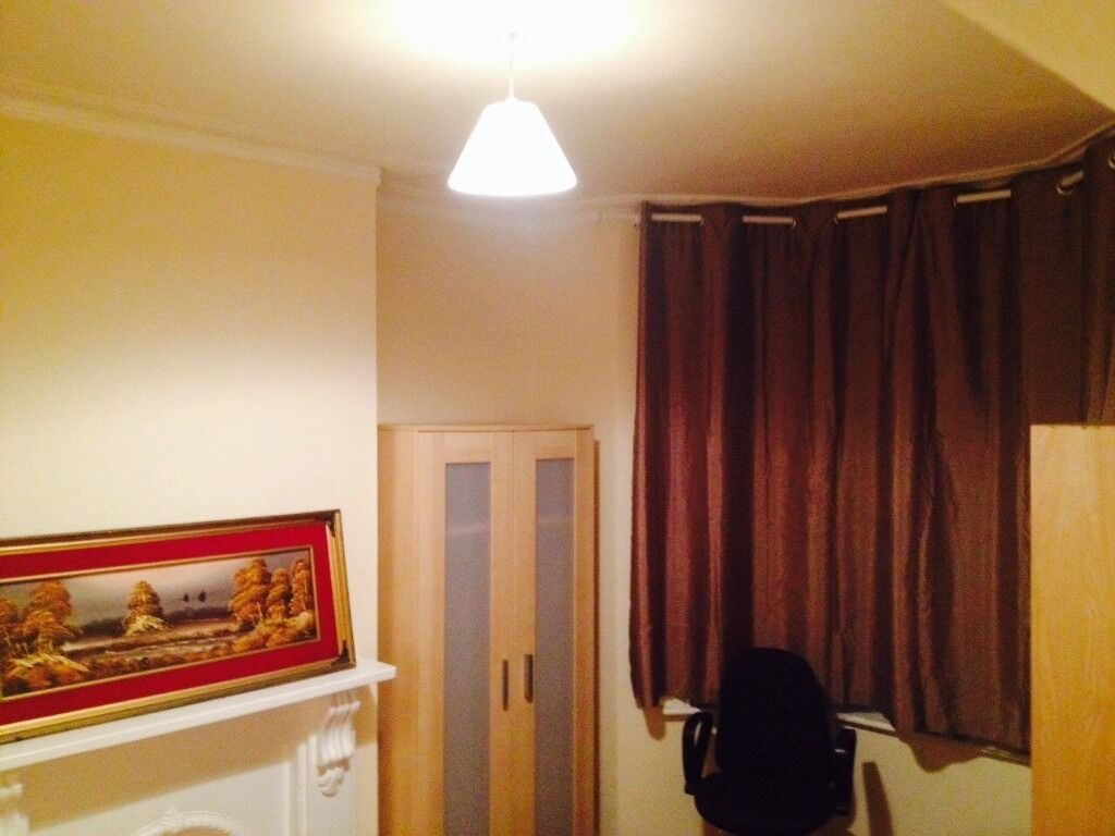 Decent Double Room available in Leyton