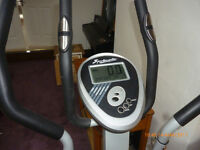 SPORTCOMPUTER CROSS TRAINER- GOOD CONDITION & FULL WORKING ORDER