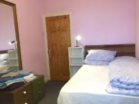 Nice Double Room in Warm Flat, with Good Access to Newcastle City Centre, Bills Included!