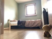 Double bedroom to let in 2 bedroom townhouse