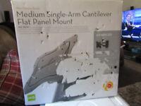 Medium Single Arm Cantilever Flat Panel Mount