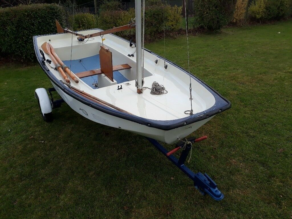 Fiberglass mirror boat sailing dinghy in norwich for Mirror yacht