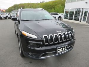 2016 Jeep Cherokee Limited *Pano Roof *Leather *Nav