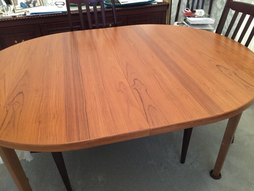 Oak top dining table with 6 chairs