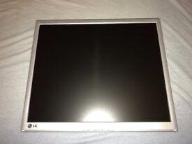 LG Flatron L1942PM Silver + Fujitsu Siemens L9ZA Silver Buy 1 Get 1 Free.