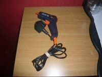BOSTIK HOT GLUE GUN GREAT FOR CRAFTS AND HOME PROJECTS