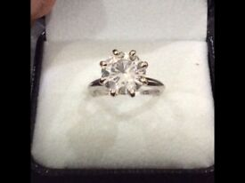 Diamond solitaire 3.84ct set in white gold platinum absolutely amazing with recipte and certificate