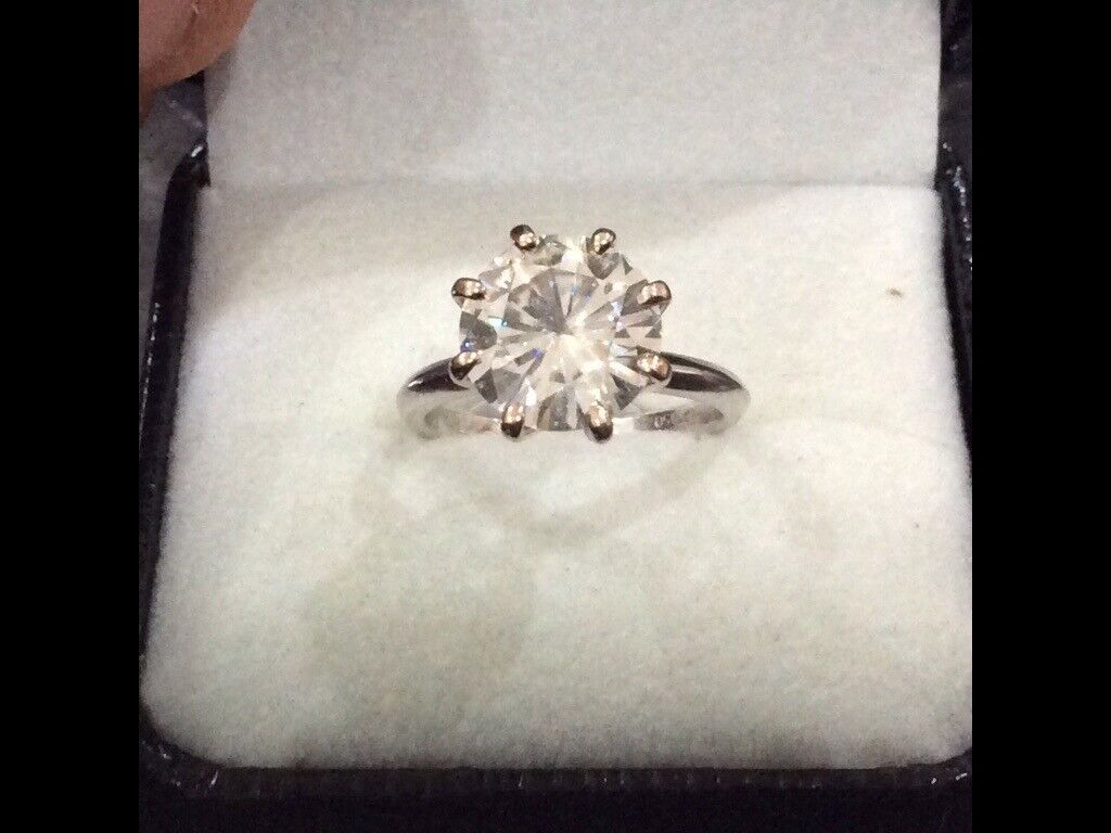 diamond solitaire 3 84ct set in white gold platinum absolutely
