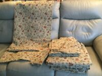 2 Pairs of Fully Lined Washable Curtains For Sale