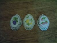 Decorative jelly moulds, three fruit thyme's, very good condition,