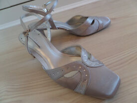 Silver Satin Formal Shoes - UK size 4