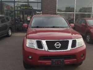 2008 Nissan Pathfinder SE/ 4X4/7 PLACES/CAMERA