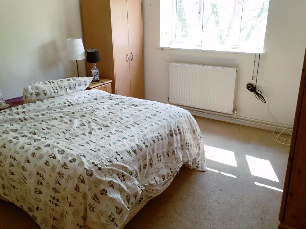 DOUBLE ROOM IN PARSONS GREEN - £730 - ALL BILLS - CLEANING SERVICE