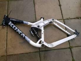 Kona stinky frame £150