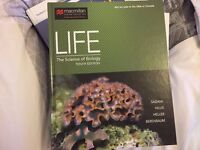 LIFE The science of biology 10th edition (Hardcover) - mint condition